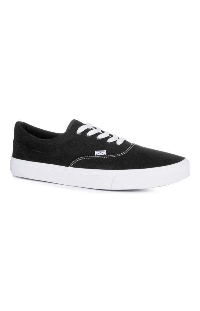 Zapatillas de tela negras con suela gruesa