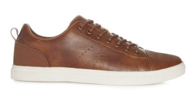 Zapatos de cuero marrones