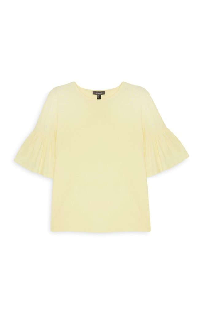 Camiseta amarilla con mangas acampanadas