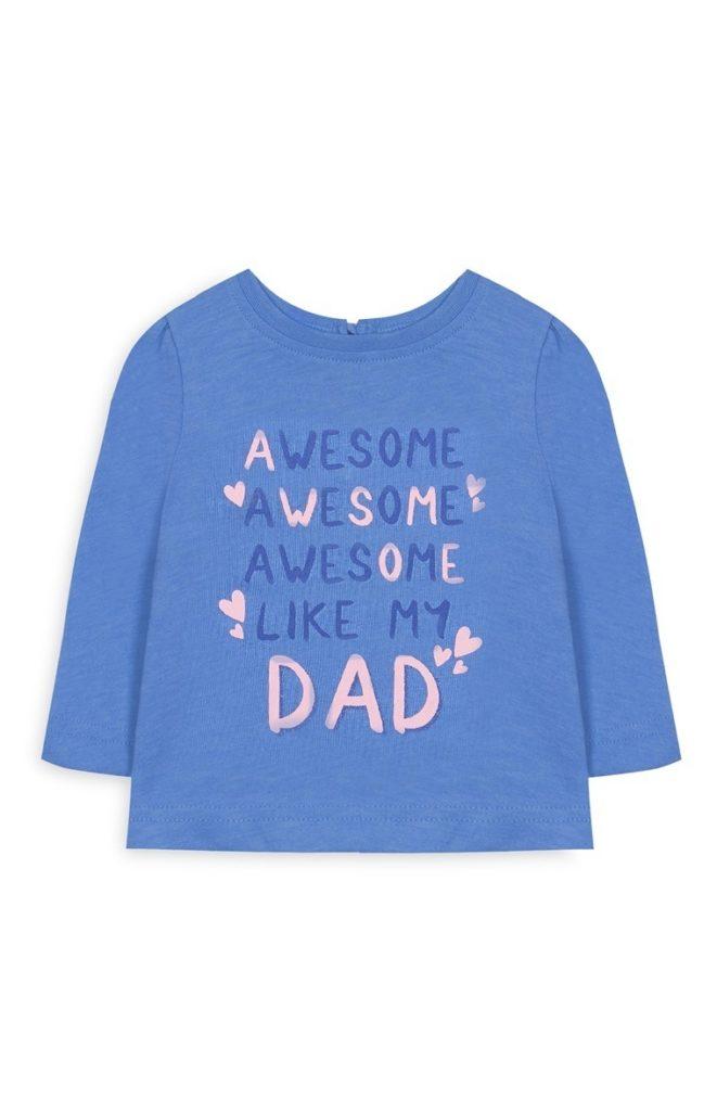 Camiseta azul con mensaje «Dad»