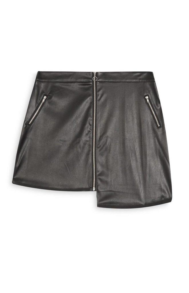 Falda de cuero negra