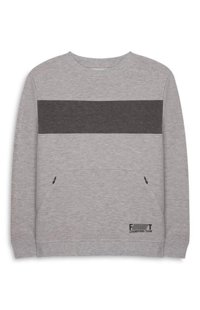 Jersey gris con relieve de niño mayor