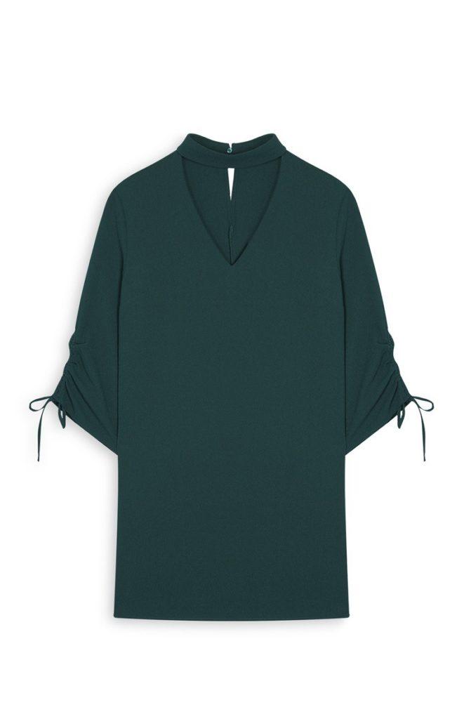 Vestido de gargantilla verde