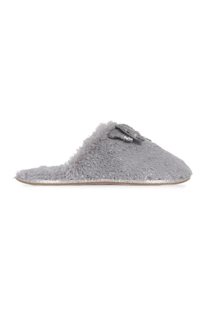 Pantufla resplandeciente color gris