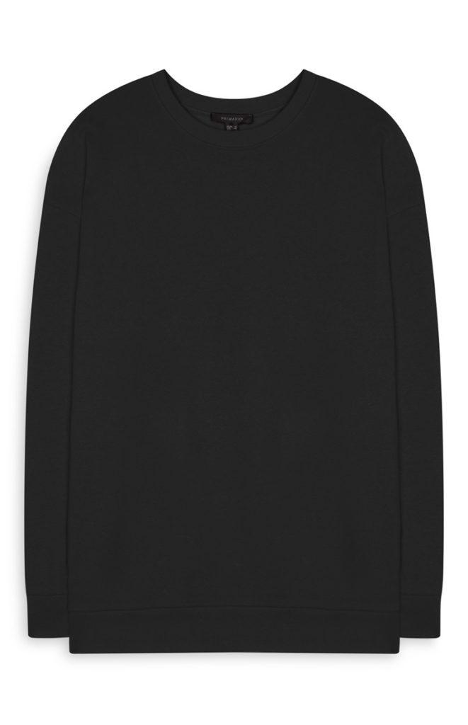 Sudadera negra oversize