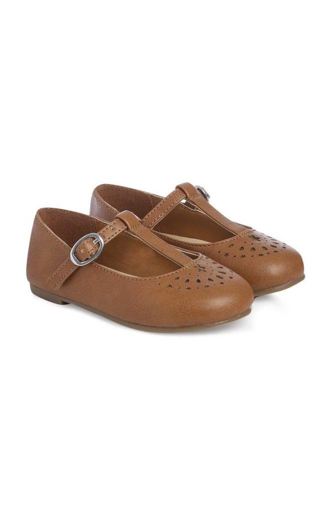 Zapatos Tan T-Bar
