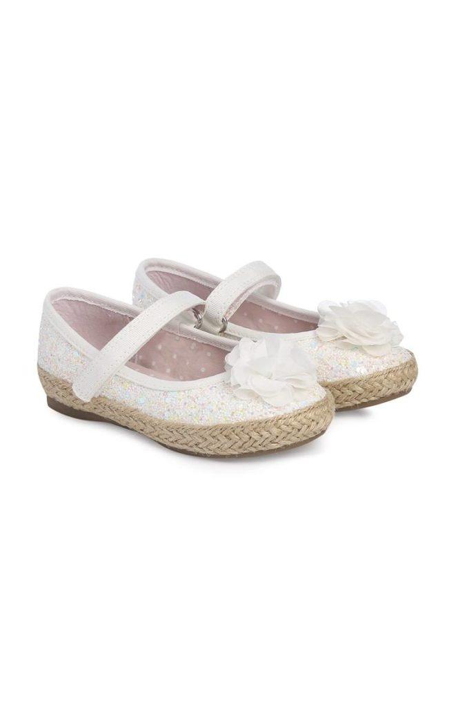 Zapatos con purpurina blanca