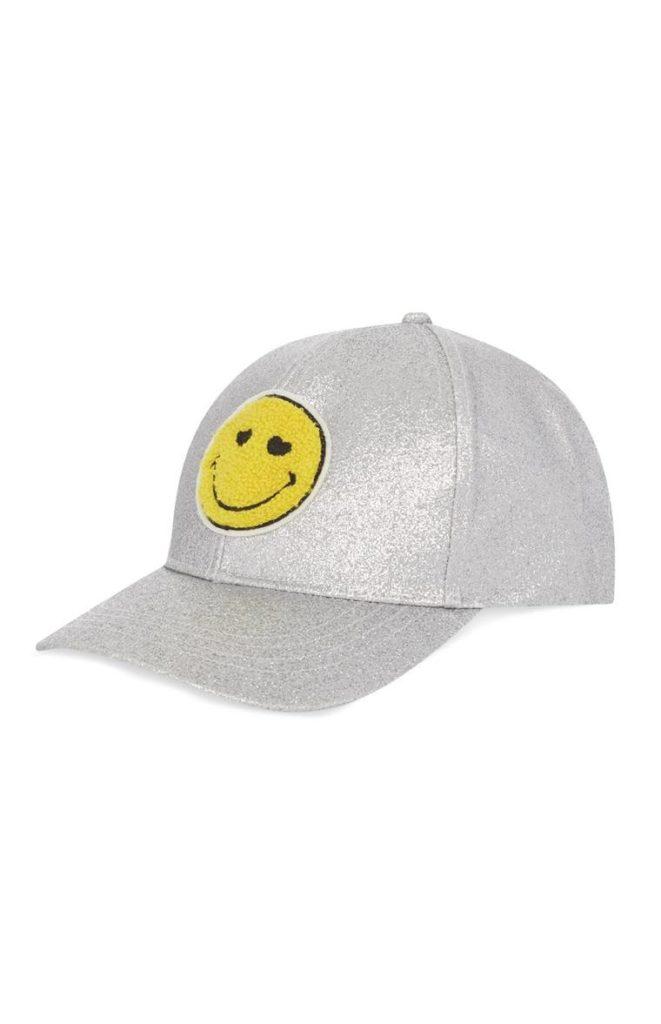 Gorra de béisbol sonriente color plata
