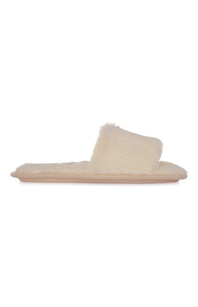 Pantuflas Beige de piel sintética