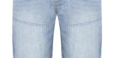 Vaquero corto azul claro con cinturón