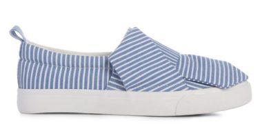 Zapatillas a rayas azules con nudo