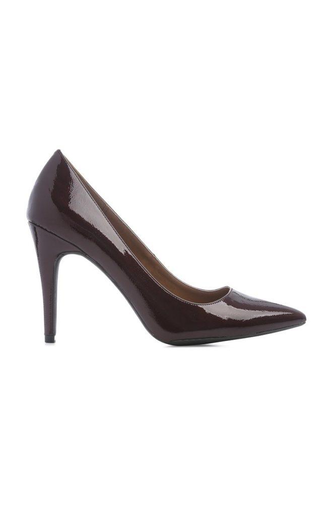 Zapato de salón patente negro