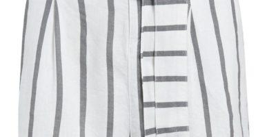 Pantalón corto de lino a rayas