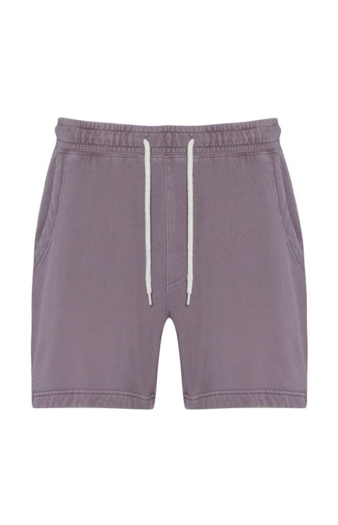 Pantalón corto deportivo desgastado