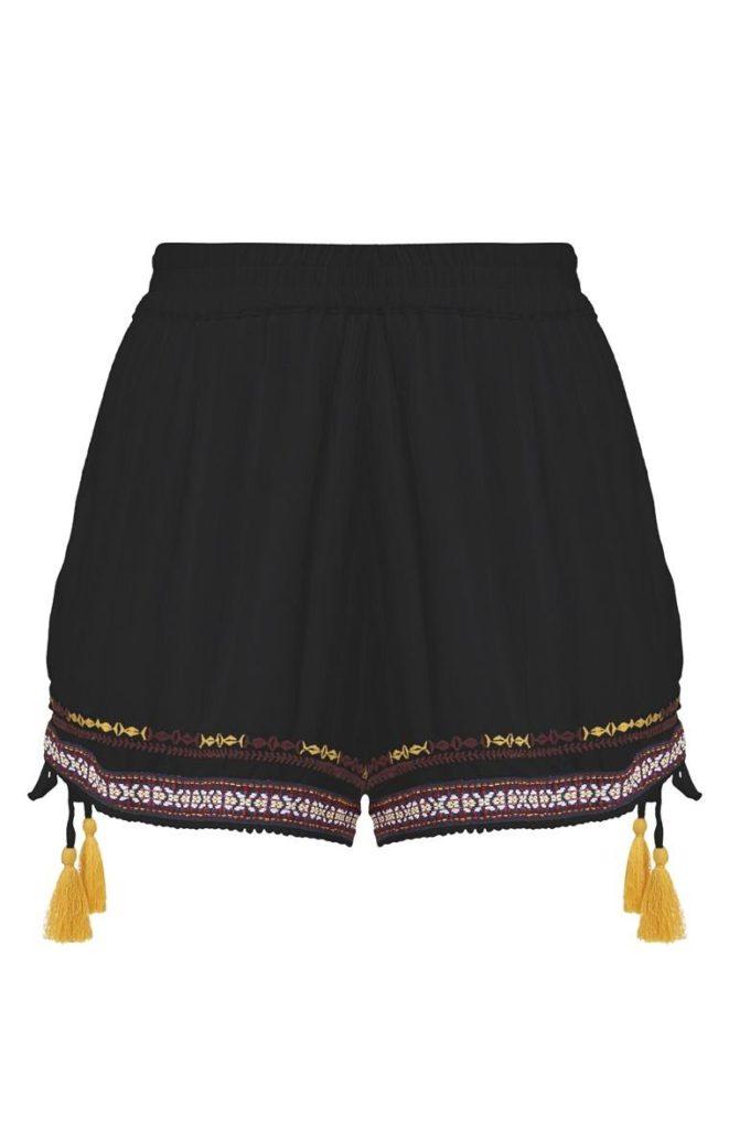 Pantalón corto negro con borlas