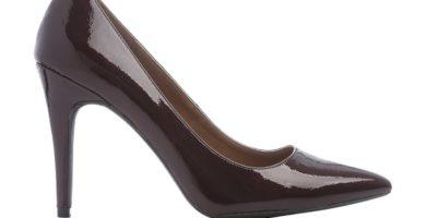 Zapatos de salón patentes marrones